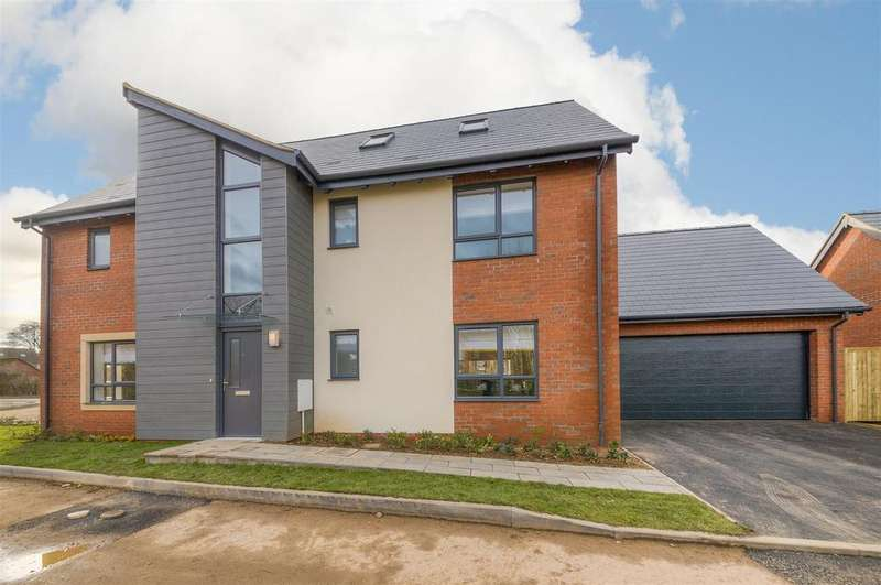4 Bedrooms Detached House for sale in Coventry Road, Cawston, Rugby