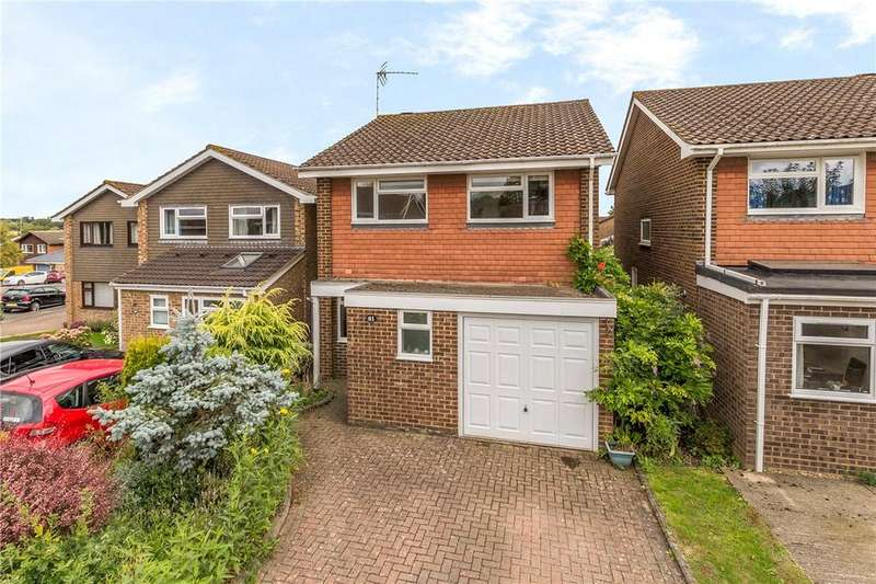 4 Bedrooms Detached House for sale in Eastcote Drive, Harpenden, Hertfordshire
