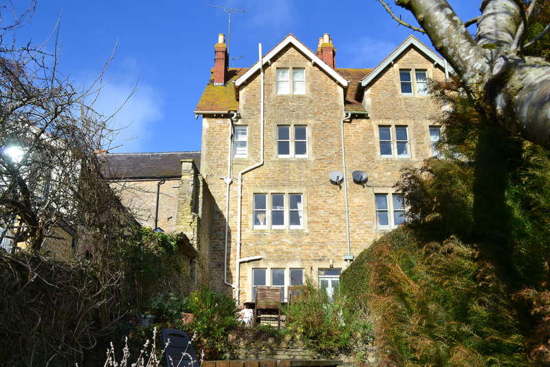 5 Bedrooms Town House for sale in Bruton, Somerset, BA10
