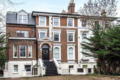 2 Bedrooms Flat for sale in Southend Road, Beckenham