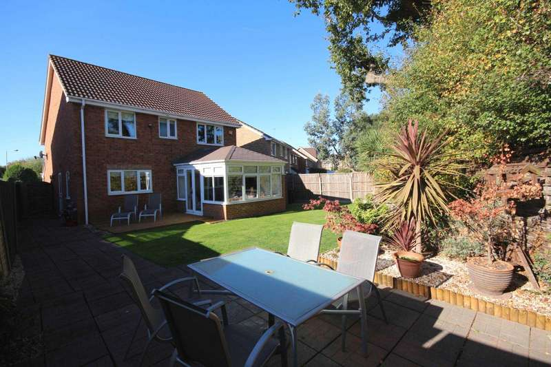 4 Bedrooms Detached House for sale in Coves Farm Wood, Amen Corner