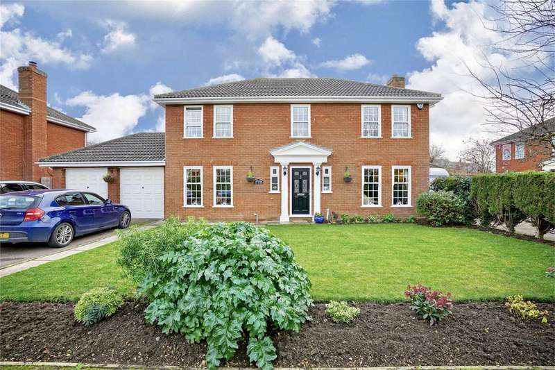 4 Bedrooms Detached House for sale in Eynesbury, St Neots, Cambridgeshire