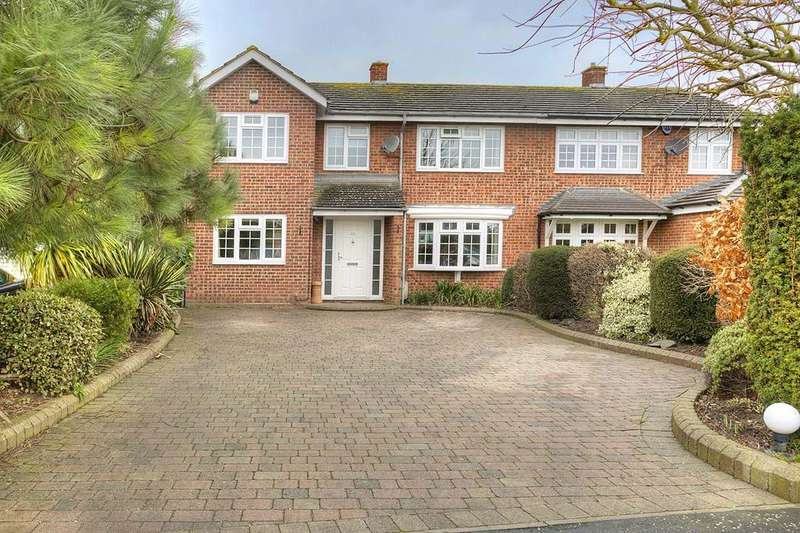 4 Bedrooms Semi Detached House for sale in Danemead, Hoddesdon EN11
