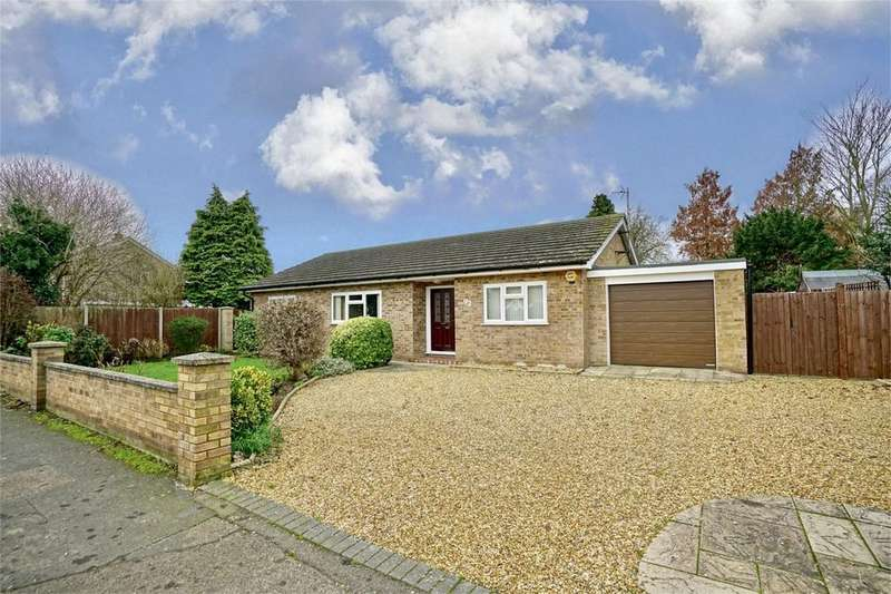 3 Bedrooms Detached Bungalow for sale in Little Paxton, St Neots, Cambridgeshire