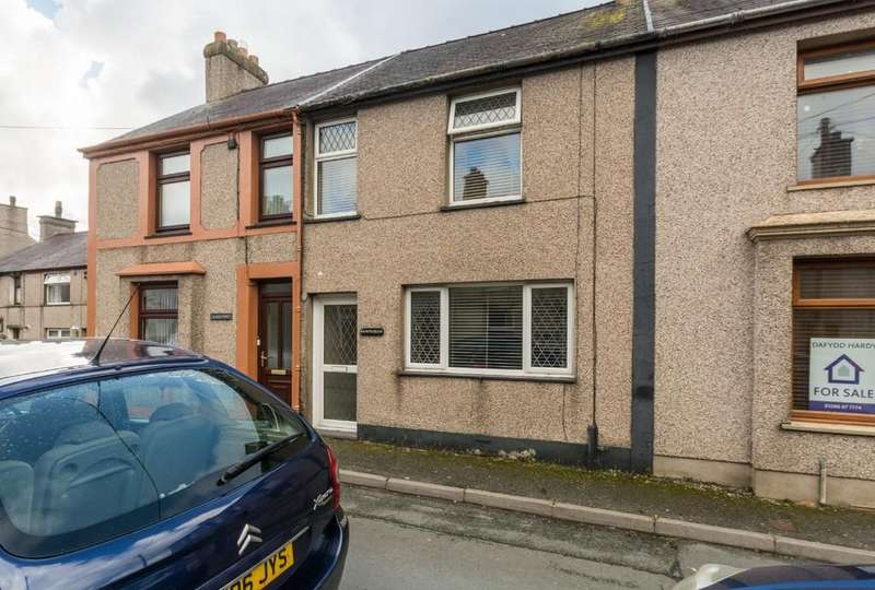 3 Bedrooms Terraced House for sale in Penygroes, Caernarfon, North Wales