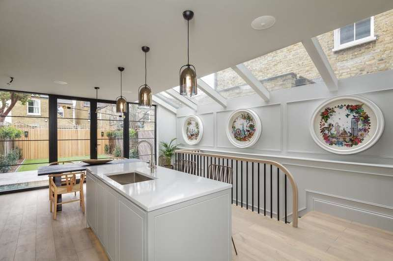 5 Bedrooms House for rent in Wavendon Avenue, Chiswick W4