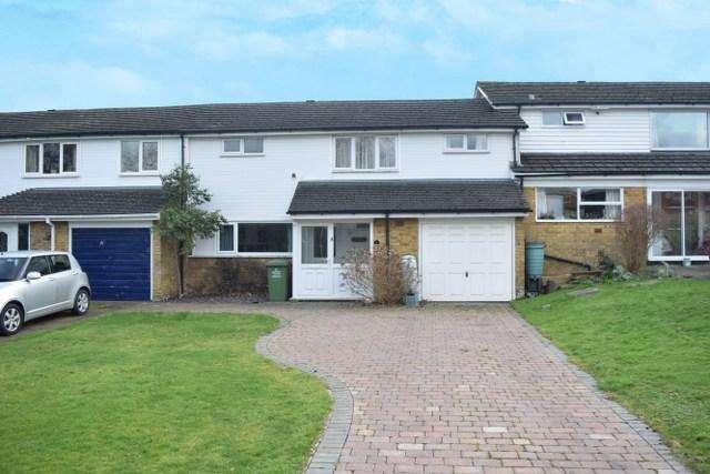 3 Bedrooms Terraced House for sale in Sporhams, Basildon SS16