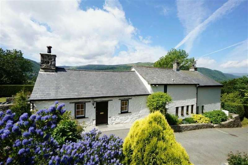 4 Bedrooms Detached House for sale in Tan Lan, Llanrwst, Conwy