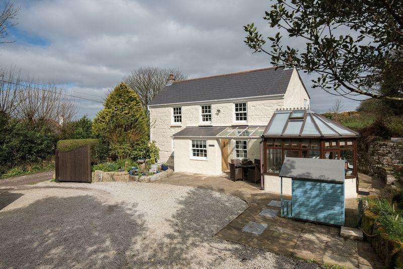 4 Bedrooms Detached House for sale in Herniss, hamlet on the outskirts of Penryn and Falmouth