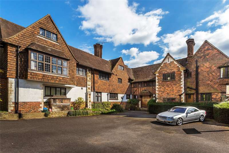 8 Bedrooms Detached House for sale in Givons Grove, Leatherhead, Surrey, KT22