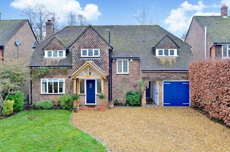 5 Bedrooms Detached House for sale in Linersh Wood Close, Bramley, Guildford GU5 0EG