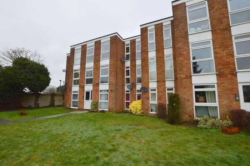 2 Bedrooms Apartment Flat for sale in Elderberry Close, Putteridge, Luton, Bedfordshire, LU2 8JD