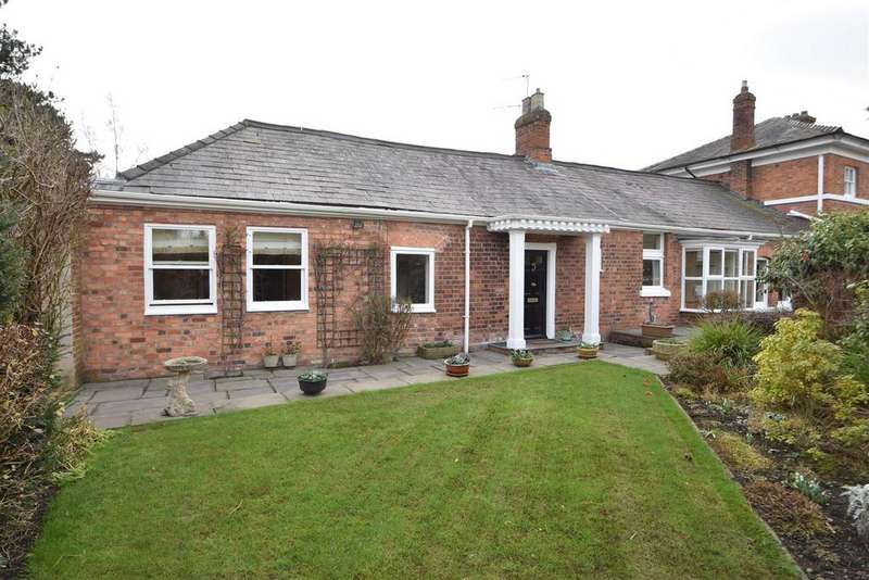 3 Bedrooms Semi Detached Bungalow for sale in Armoury Mews, The Armoury, Shrewsbury SY2 6PA