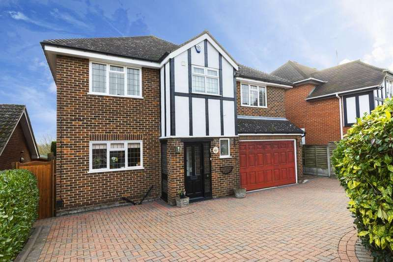 4 Bedrooms Detached House for sale in Powell Road, Buckhurst Hill, IG9