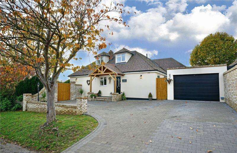 5 Bedrooms Detached House for sale in Heathbrow Road, Welwyn