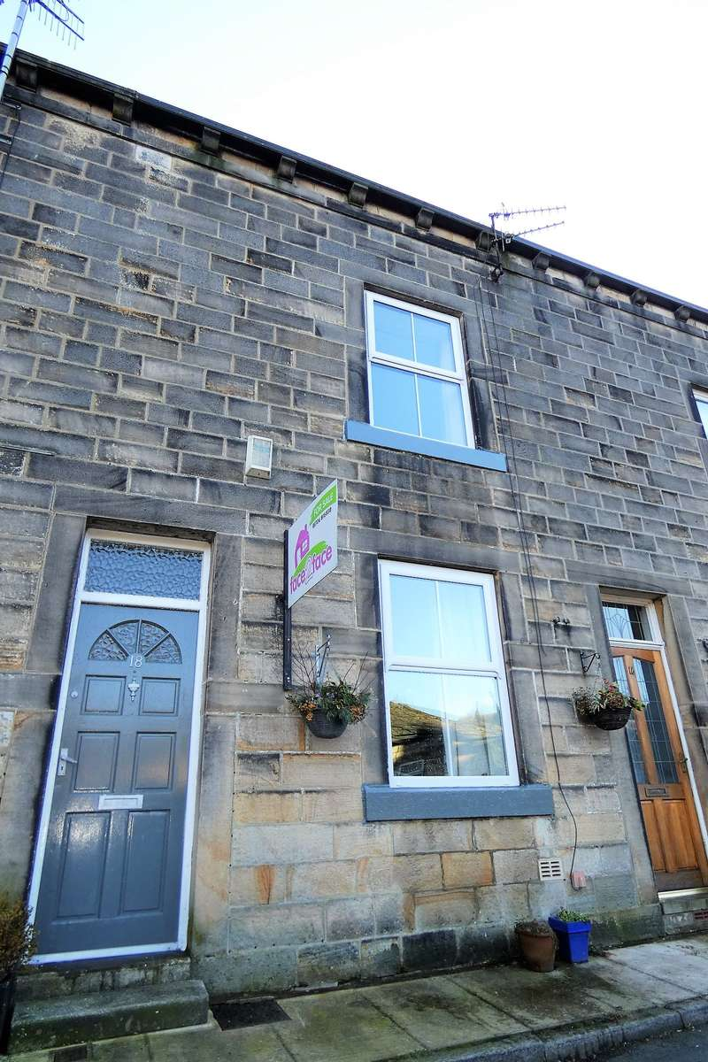 2 Bedrooms Terraced House for sale in Well Street, Todmorden, OL14
