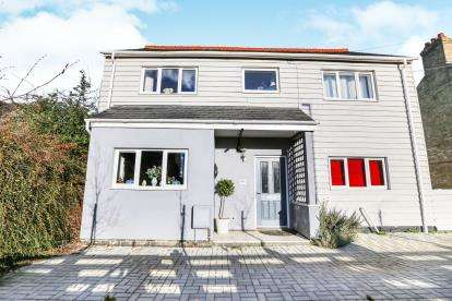 4 Bedrooms Semi Detached House for sale in St. Neots Road, Sandy, Bedfordshire, .