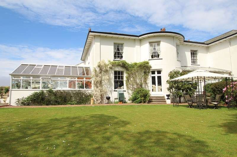 4 Bedrooms Semi Detached House for sale in Heywood Road, Bideford