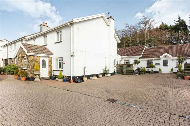 8 Bedrooms Detached House for sale in New Hedges, Tenby