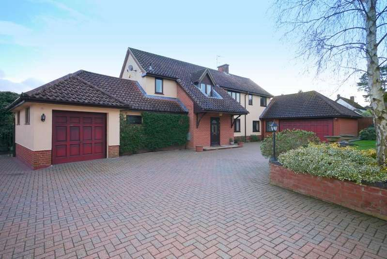 4 Bedrooms Detached House for sale in Romany Road, Lowestoft