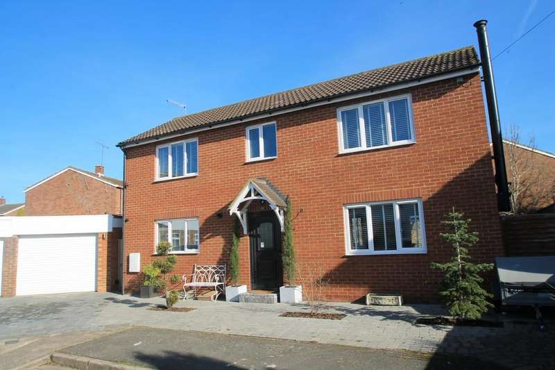 Detached House for sale in Mowbray Road, Aylesbury