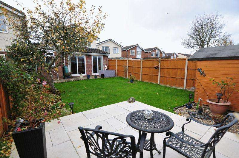 4 Bedrooms Link Detached House for sale in Yewcroft Close, Whitchurch, Bristol, BS14
