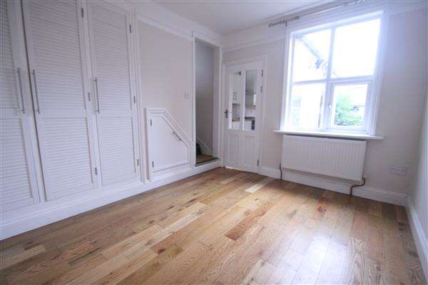 3 Bedrooms House for rent in Causton Road, Colchester
