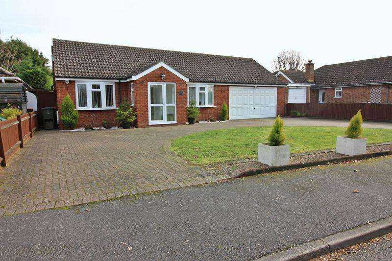 4 Bedrooms Detached Bungalow for sale in Deceptively spacious, click for more details...
