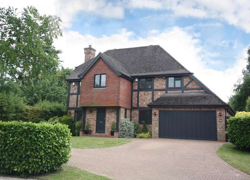5 Bedrooms Detached House for sale in Longaford Way, Hutton Mount, BRENTWOOD, CM13