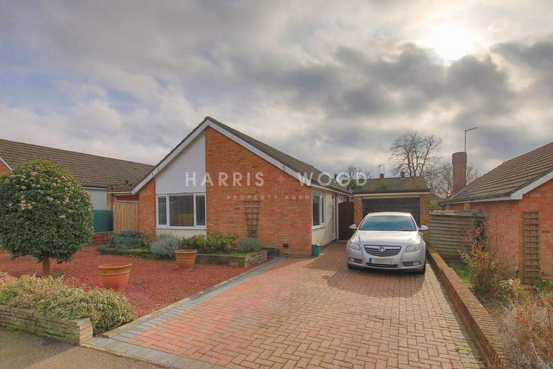 3 Bedrooms Detached Bungalow for sale in Hazelton Road, Colchester, CO4