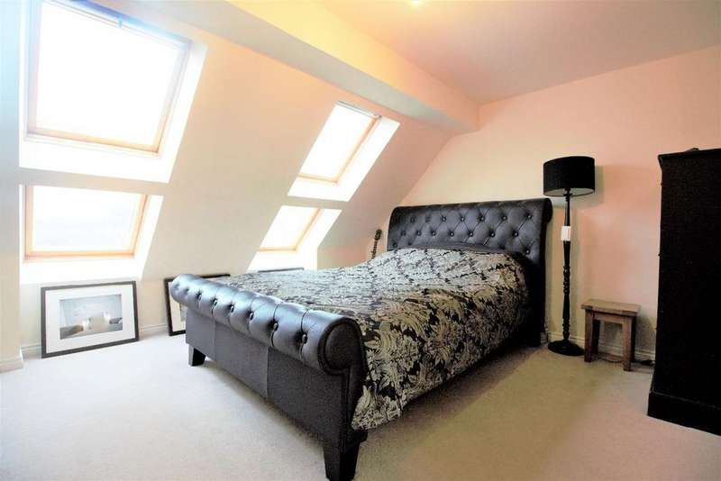 3 Bedrooms Town House for sale in Lundy Walk, North Hailsham