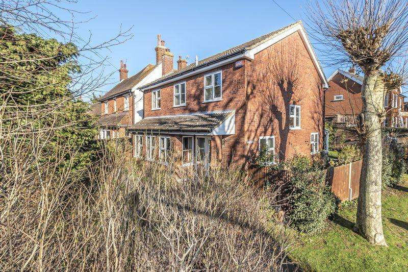 4 Bedrooms Detached House for sale in The Avenue, Ampthill