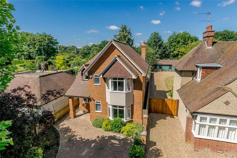 4 Bedrooms Detached House for sale in New Barnes Avenue, St. Albans, Hertfordshire