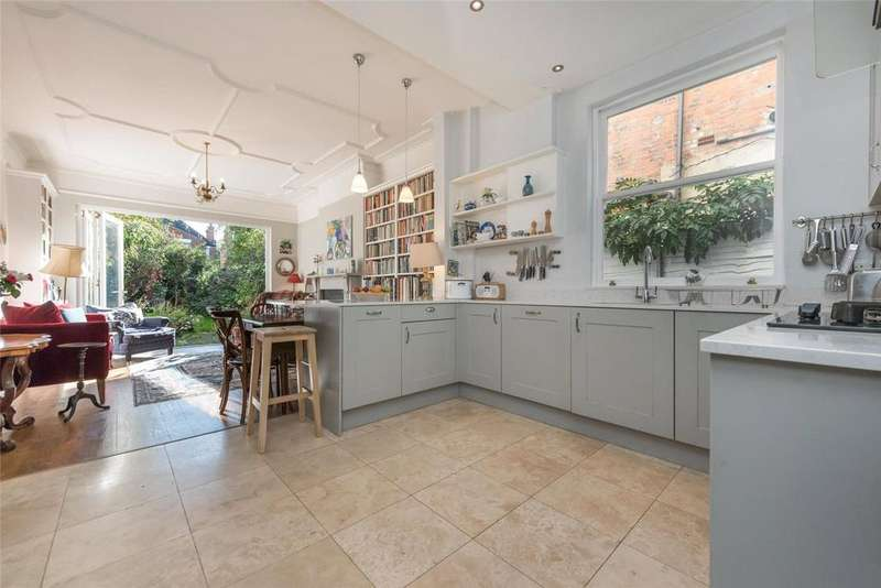 5 Bedrooms Terraced House for sale in Chandos Road, London, NW2