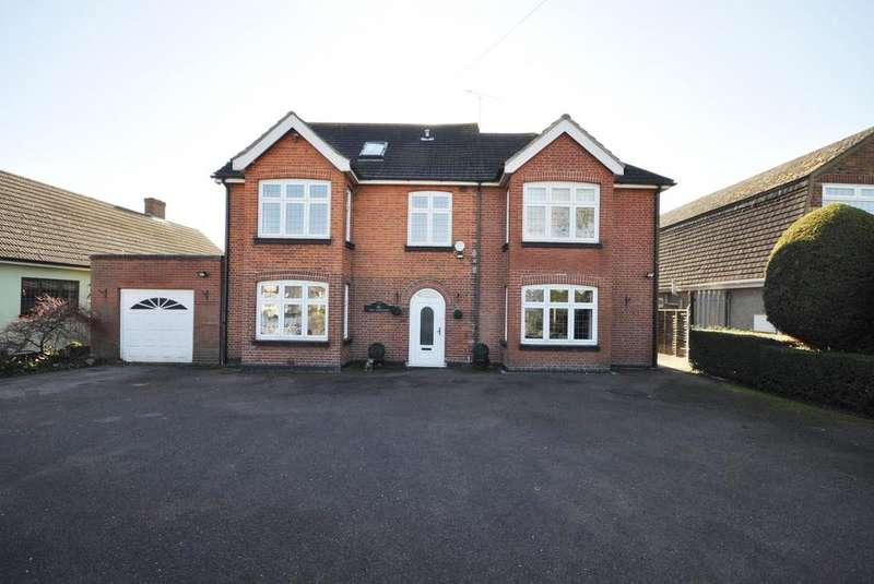 5 Bedrooms Detached House for sale in Upminster Road North, Rainham, Essex, RM13