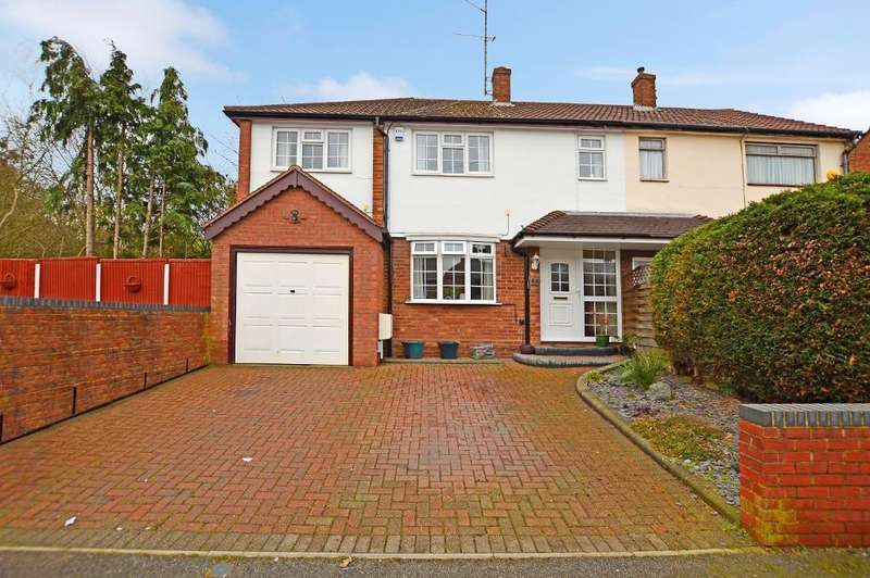 4 Bedrooms Semi Detached House for sale in Westmorland Avenue, Limbury, Luton, Bedfordshire, LU3 2PS