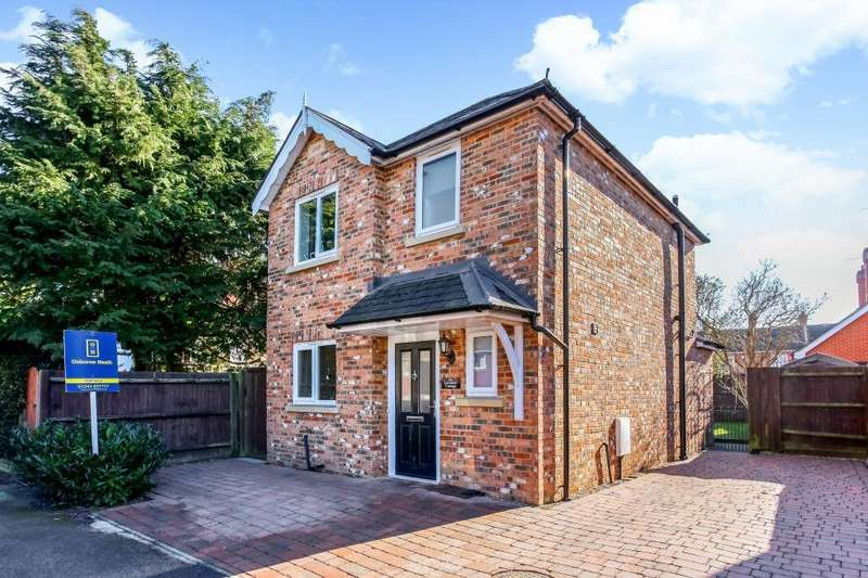2 Bedrooms Detached House for sale in North Road, Ascot