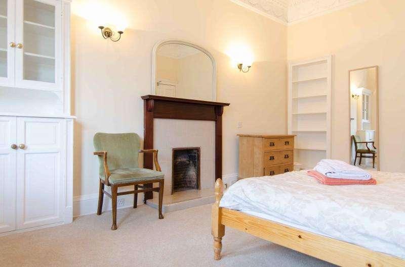 4 Bedrooms Flat for rent in Spottiswoode Street, Edinburgh EH9