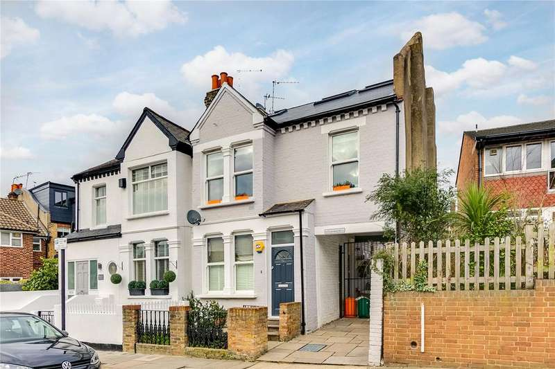 2 Bedrooms Maisonette Flat for sale in Bassingham Road, London