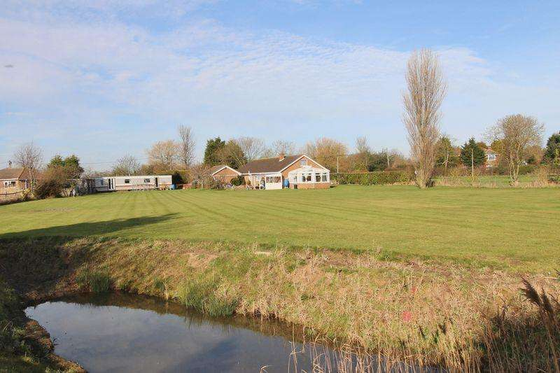 4 Bedrooms Detached Bungalow for sale in Hogsthorpe, Near Skegness
