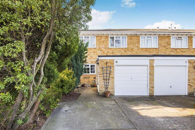 3 Bedrooms End Of Terrace House for sale in Radical Ride, Finchampstead, Berkshire RG40 4UH