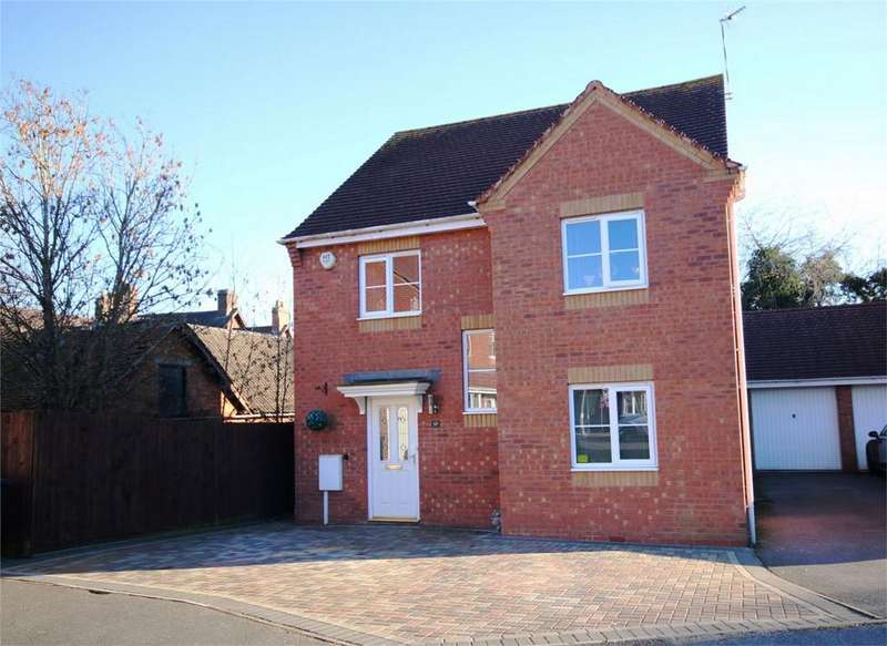 4 Bedrooms Detached House for sale in Clover Way, Bedworth, Warwickshire