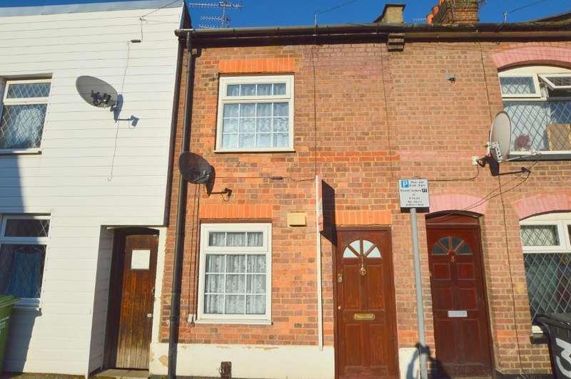 2 Bedrooms Terraced House for sale in Arthur Street, South Luton, Luton, LU1 3SF