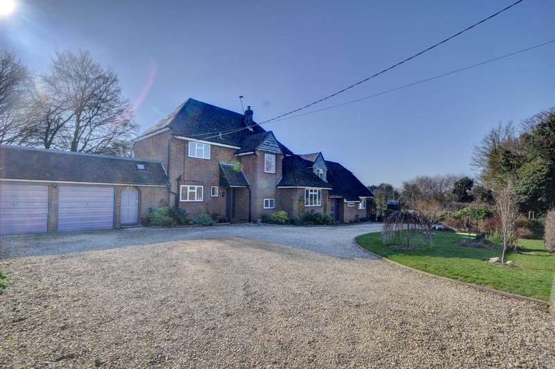 5 Bedrooms Detached House for sale in Cadsden Road, Princes Risborough