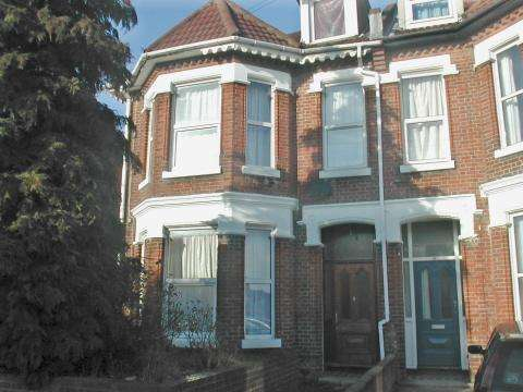 8 Bedrooms Detached House for rent in Alma Road,