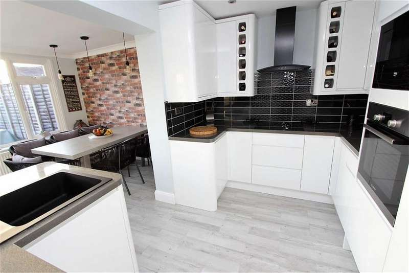 3 Bedrooms Semi Detached House for sale in Waterdell, Leighton Buzzard