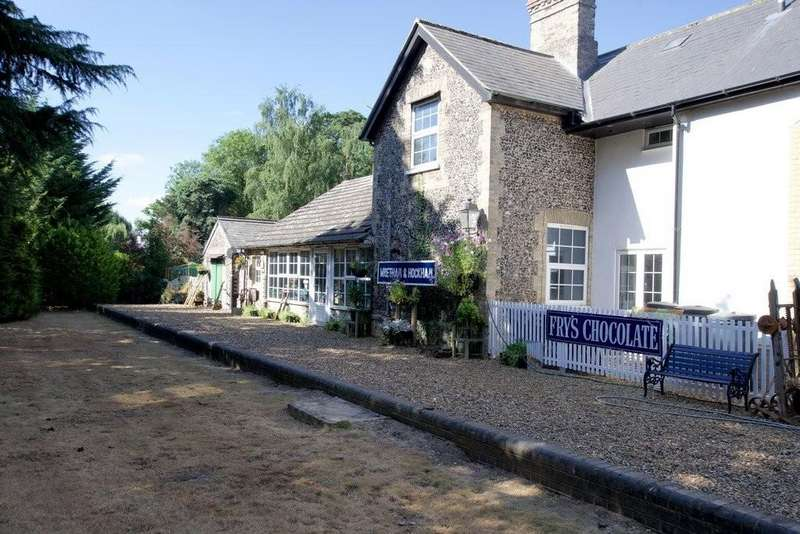 5 Bedrooms Detached House for sale in Wretham, Thetford