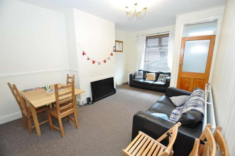 4 Bedrooms House for rent in Field Street, South Gosforth, Newcastle Upon Tyne