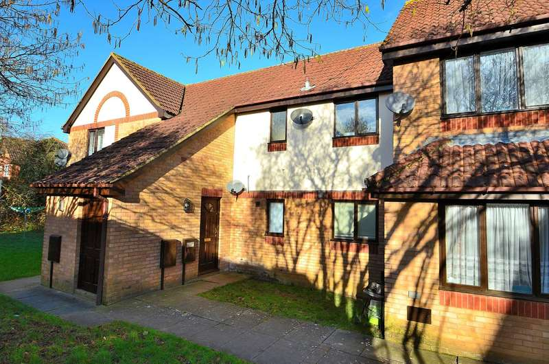 1 Bedroom Apartment Flat for sale in Pimpernel Grove, Walnut Tree