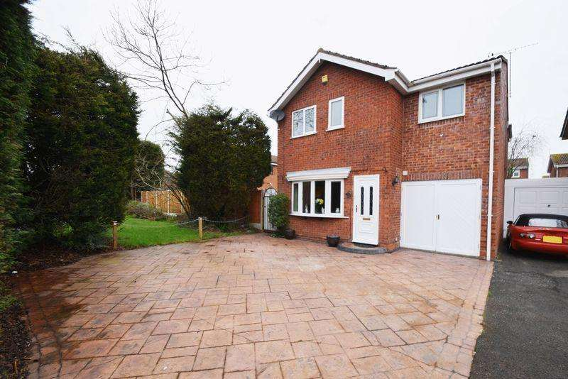 4 Bedrooms Detached House for sale in Grazewood Close, Coppice Farm, Willenhall